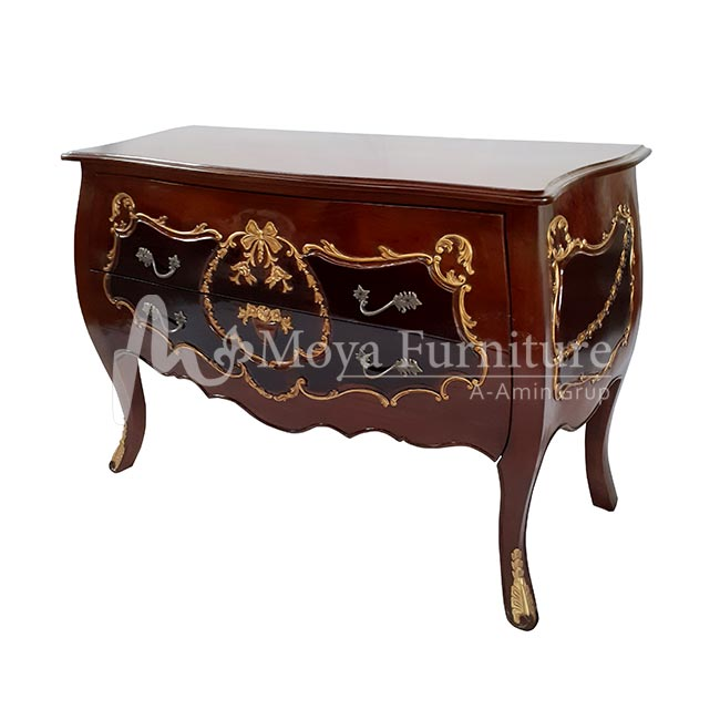 Bombe chest with drawers